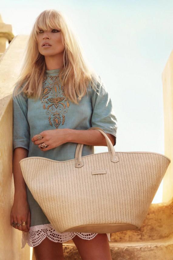 kate moss 2 570x855 Kate Moss za Longchamp