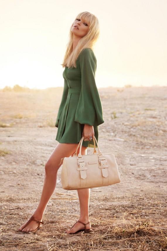 kate moss 5 570x855 Kate Moss za Longchamp