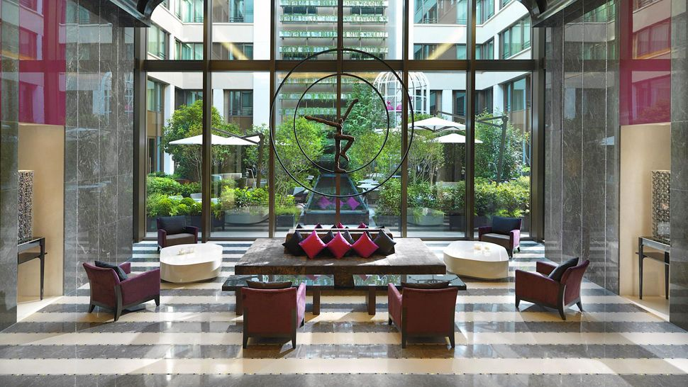 008759 16 lobby Mandarin Oriental Paris: Hotel za ljubitelje luksuza
