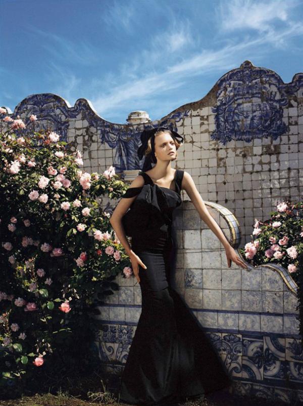 "kolovoz 2005 Mario Testino: Arhiva ""Vogue"" fotografija"