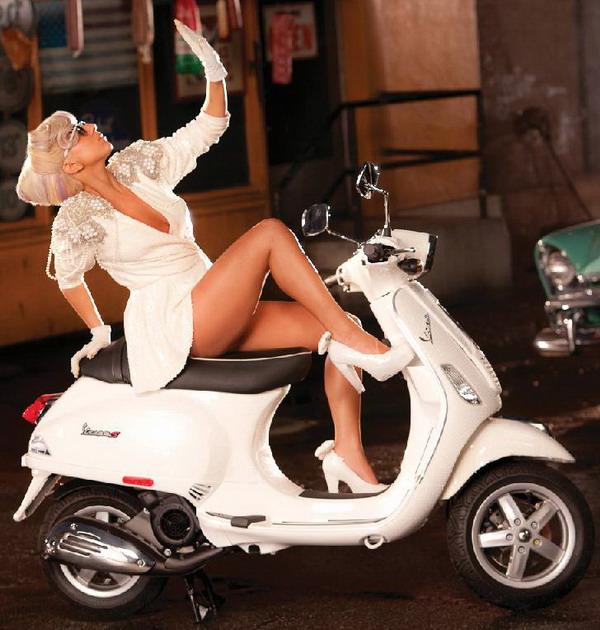 galerija film3 La Moda Italiana: Hajde da uzmemo neki dobar... motor!