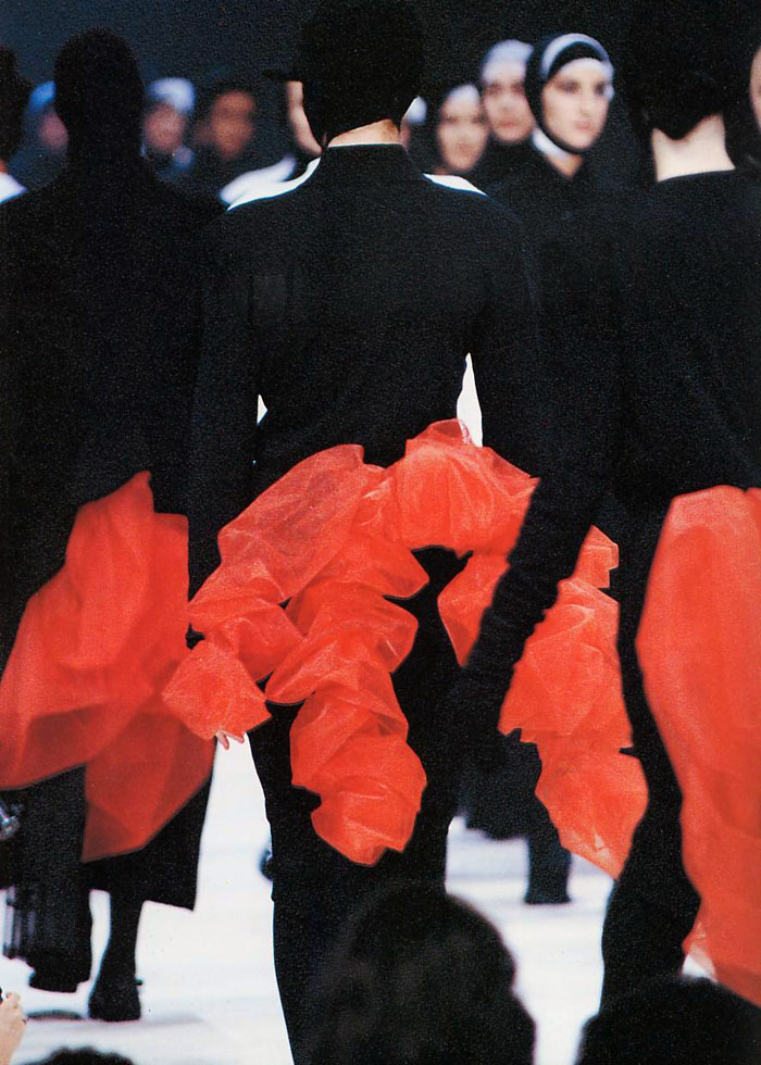 tumblr l1sdqyzd2j1qbbjpeo1 1280 Mračni vizionar modne scene: Yohji Yamamoto