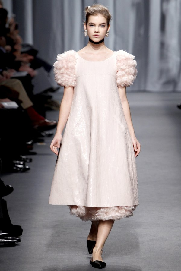 chanel Top 5 najmlađih manekenki koje osvajaju svetske modne piste