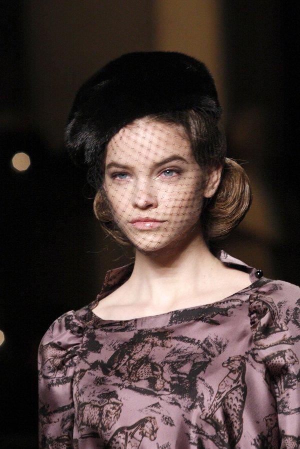 loewe Top 5 najmlađih manekenki koje osvajaju svetske modne piste