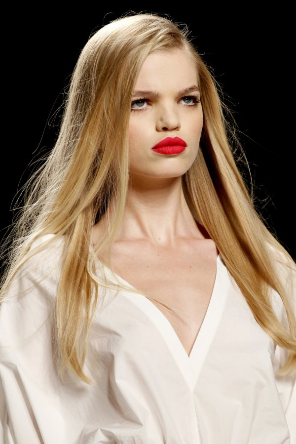 fendi Top 5 najmlađih manekenki koje osvajaju svetske modne piste