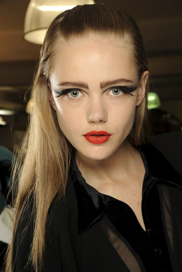 jean paul gaultier backstage fw11 Top 5 najmlađih manekenki koje osvajaju svetske modne piste
