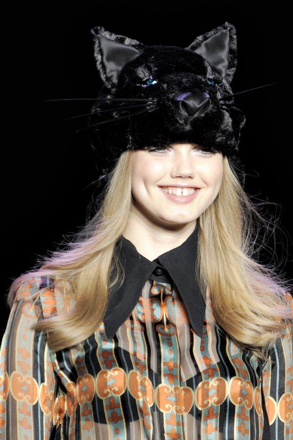 anna sui Top 5 najmlađih manekenki koje osvajaju svetske modne piste