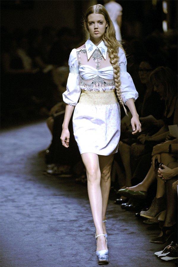 miu miu Top 5 najmlađih manekenki koje osvajaju svetske modne piste
