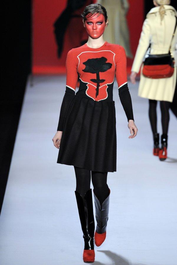 viktor rolf fw11 Top 5 najmlađih manekenki koje osvajaju svetske modne piste
