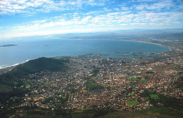 cpt cape town panorama from table mountain b Negde preko duge... Nalazi se raj egzotičnih destinacija!