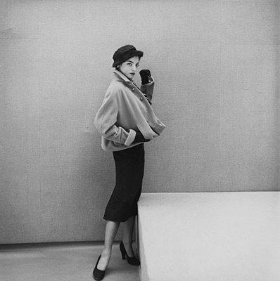 a dior suit vogue 50s pencil skirt New look: pedesete