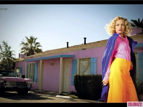 nicole richie harper bazaar pink house 580x435 Nicole Richie za ruski Harper's Bazaar