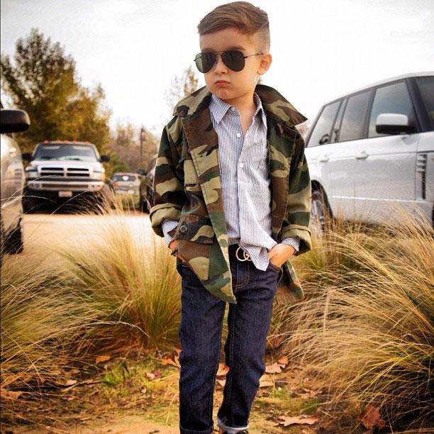 a 4x 6 Nova ikona stila: Petogodišnji dečak postao zvezda na Instagramu