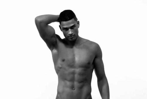 """robe Seksepilni """"čokoladni"""" modeli: Rob Evans"""