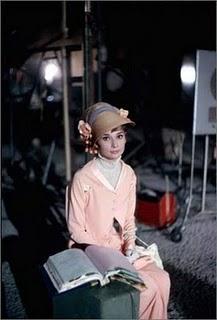 mfl020 Stil Audrey Hepburn