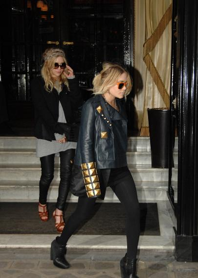 marykate and ashley olsen stop off at louis vuitton Boho chic: Mary Kate and Ashley Olsen