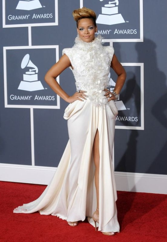 52nd annual grammy awards  january 31  2010 Stilske transformacije: Rihanna