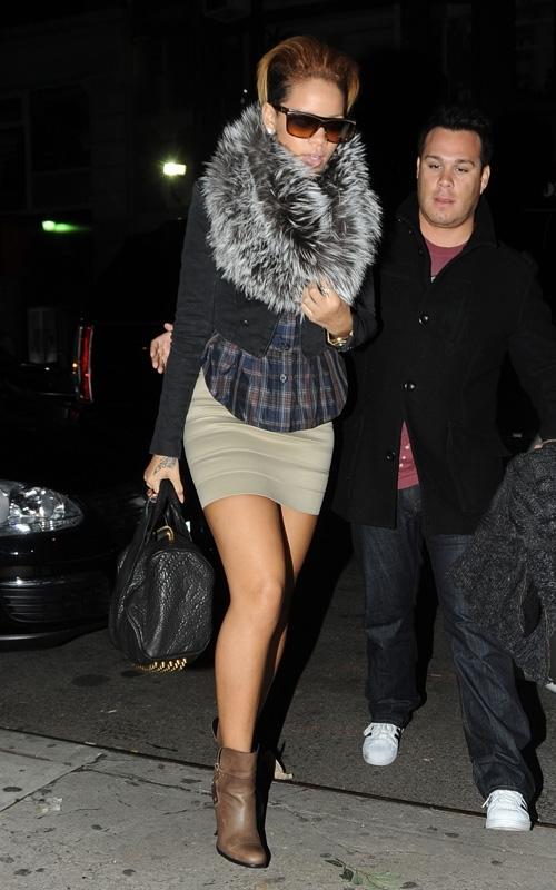 arriving at her music studio in new york  october 17  2009 Stilske transformacije: Rihanna