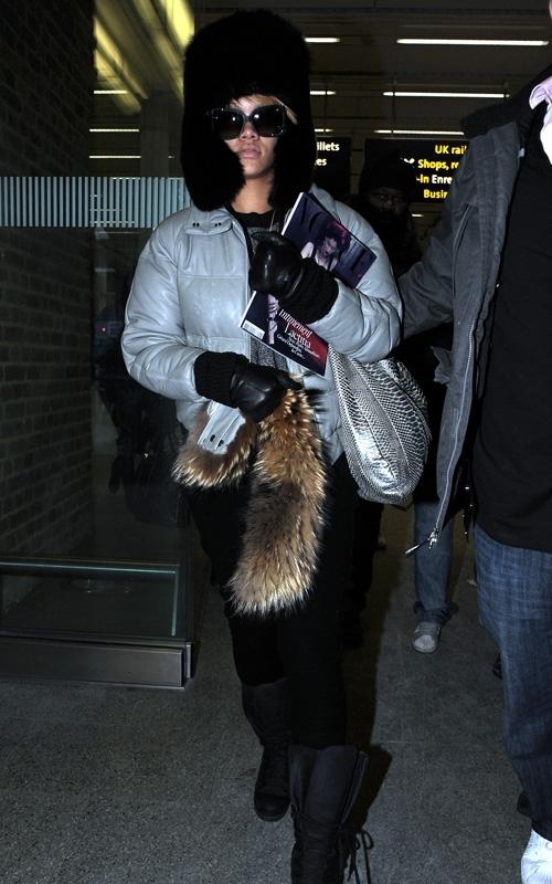 arriving in london  december 17  2009 Stilske transformacije: Rihanna