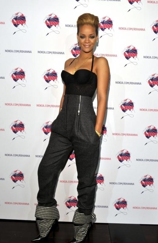 attending a nokia event in los angeles  november 04  2009 Stilske transformacije: Rihanna