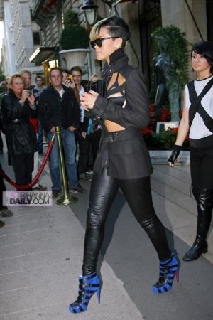 leaving jean paul gaultier fashion show in paris  october 03  2009 Stilske transformacije: Rihanna