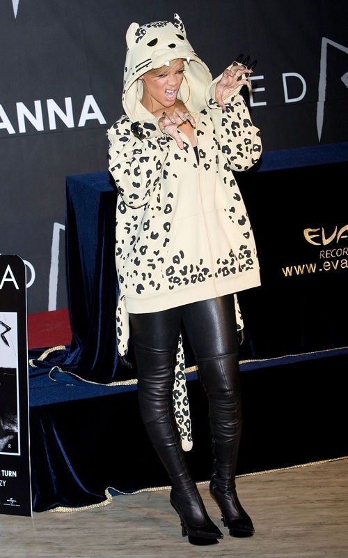meet and greet in seoul  february 11  2010 Stilske transformacije: Rihanna