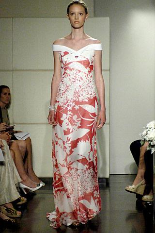 00020m Badgley Mischka: Između stila i trenda