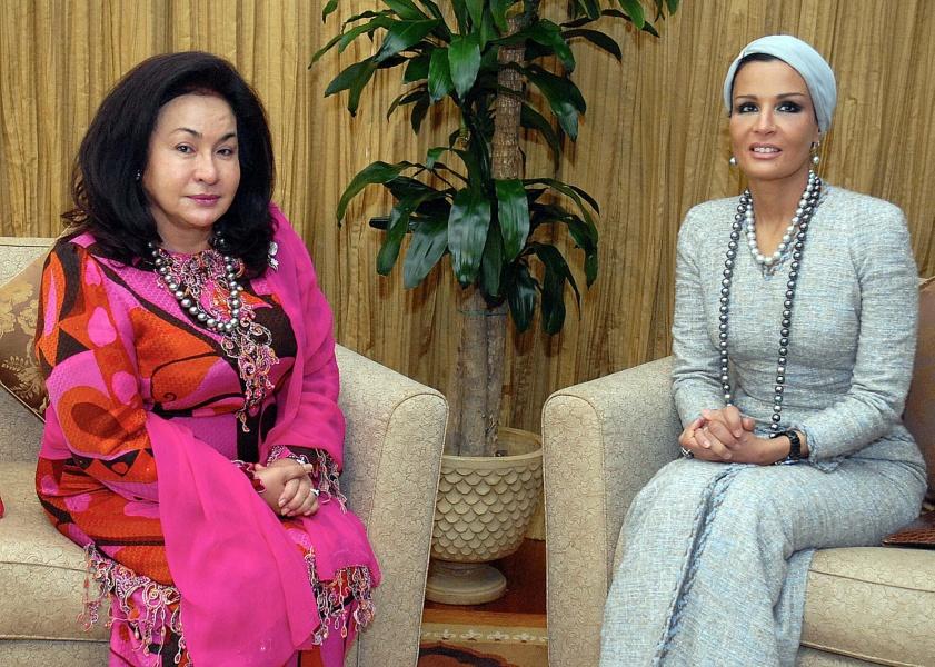 kl30200509msiaqatar125 Royal style: Sheikha Mozah bint Nasser Al Missned
