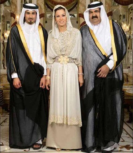n1178415843 21463 7707 Royal style: Sheikha Mozah bint Nasser Al Missned