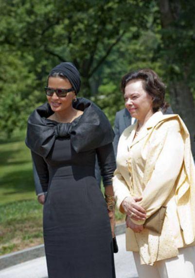 resizerphp7 Royal style: Sheikha Mozah bint Nasser Al Missned