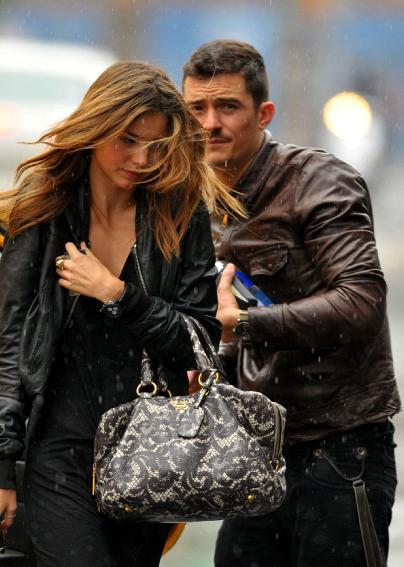 orlando and miranda romance in the rain Šta je to u ženskom umu što je goni prema Blumu?