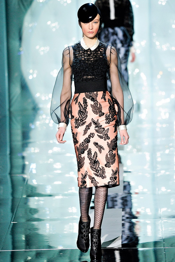 marc jacobs rtw fw2011 runway 050 233453111732 Back to Tiffanys