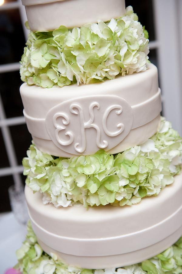 adam nyholt junebug weddings 10 19 2010 358 Svadbena torta