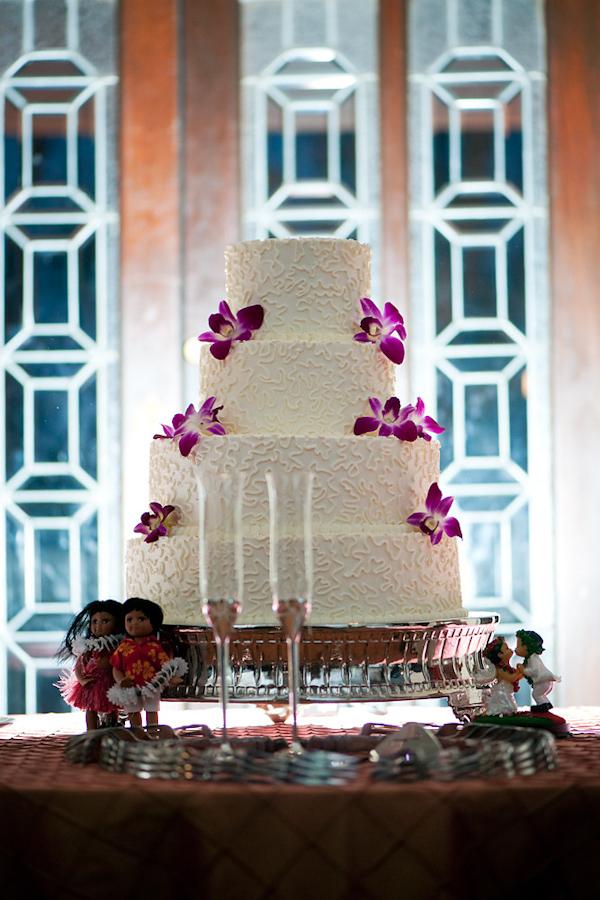 adam nyholt junebug weddings 10 19 2010 375 Svadbena torta