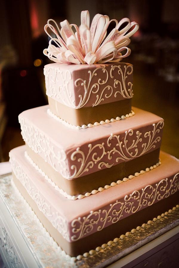 amelia lyon junebug weddings 06 15 2010 256 Svadbena torta