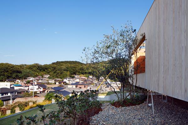 pithouse10 UID Architects: Koštičava kuća u Okajami u Japanu