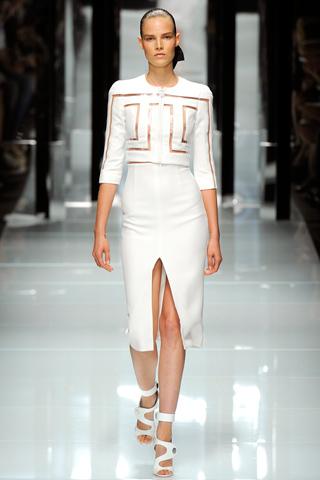 00020m Versace RTW kolekcija za proleće/leto 2011.