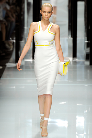 00030m Versace RTW kolekcija za proleće/leto 2011.
