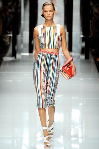 00110m Versace RTW kolekcija za proleće/leto 2011.