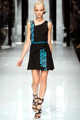 00190m Versace RTW kolekcija za proleće/leto 2011.