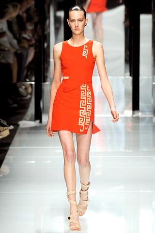 00250m Versace RTW kolekcija za proleće/leto 2011.
