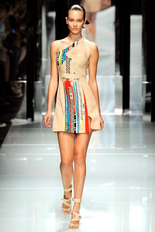 00270m Versace RTW kolekcija za proleće/leto 2011.