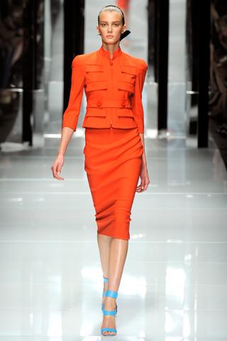 00280m Versace RTW kolekcija za proleće/leto 2011.