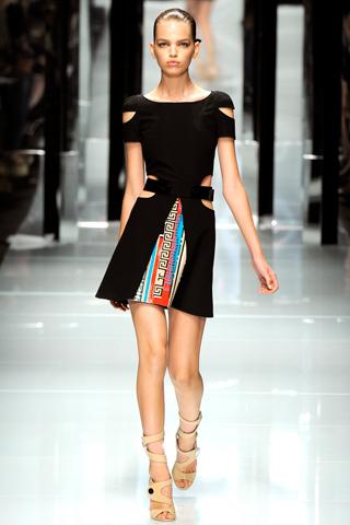 00300m Versace RTW kolekcija za proleće/leto 2011.