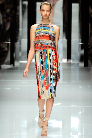 00380m Versace RTW kolekcija za proleće/leto 2011.