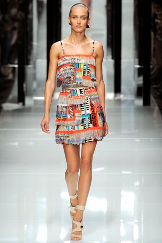 00390m Versace RTW kolekcija za proleće/leto 2011.