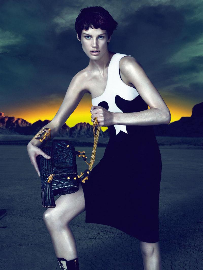 versacecampaign8 Versace za jesen 2011.