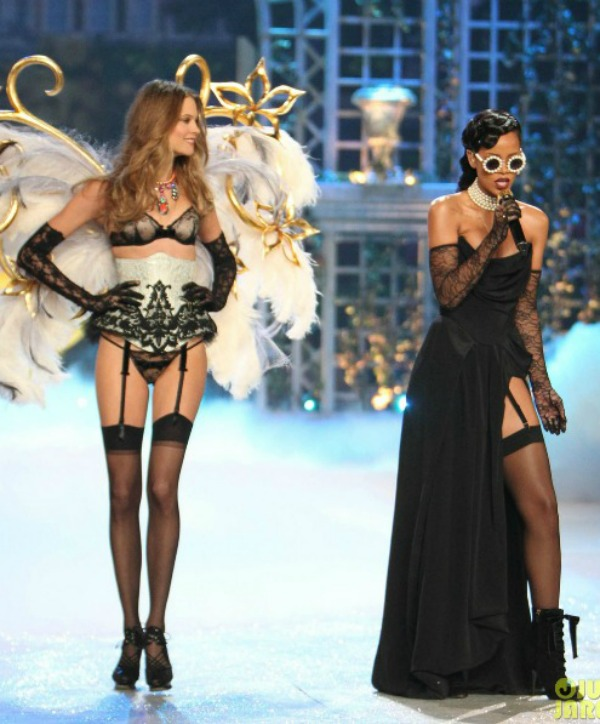 galerija 1 Anđeoska magija: Revija Victorias Secret 2012.