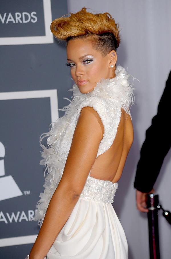 61816973 c495e3efc776442eb7b51ad830657ac6 4b664e70 scaled Zvezdani preobražaji: Rihanna