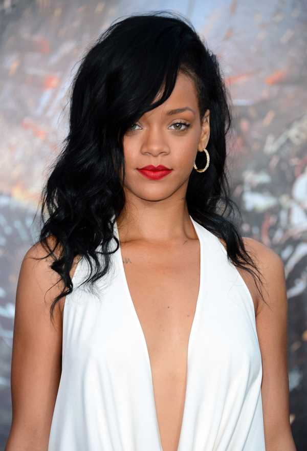 rihanna battleship thelavalizard Zvezdani preobražaji: Rihanna